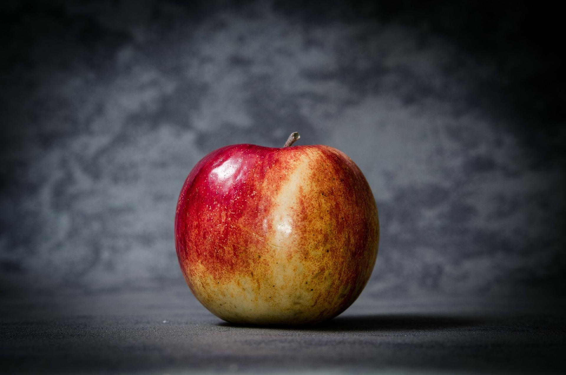 苹果定律:你不知道哪个苹果会砸中自己